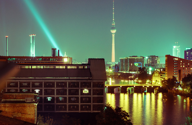 Berlin Skyline / Ad Ryan - Video Shot Behind the Scenes © David Linke